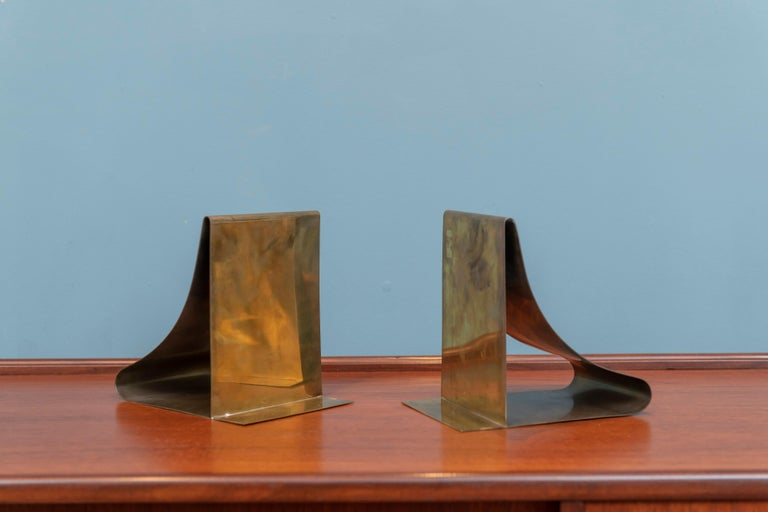 Sarried Ltd. Large Brass Bookends In Good Condition For Sale In San Francisco, CA