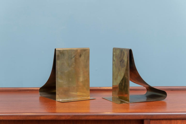 Late 20th Century Sarried Ltd. Large Brass Bookends For Sale