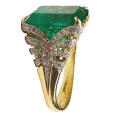 Sasonko 8.82 Carat Emerald Diamonds 18 Karat Yellow Gold Cocktail Ring