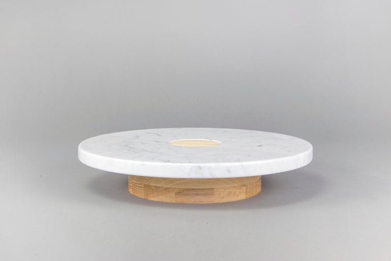 Modern Sass Pedestal from Souda, Carrara Marble Top, Made to Order For Sale