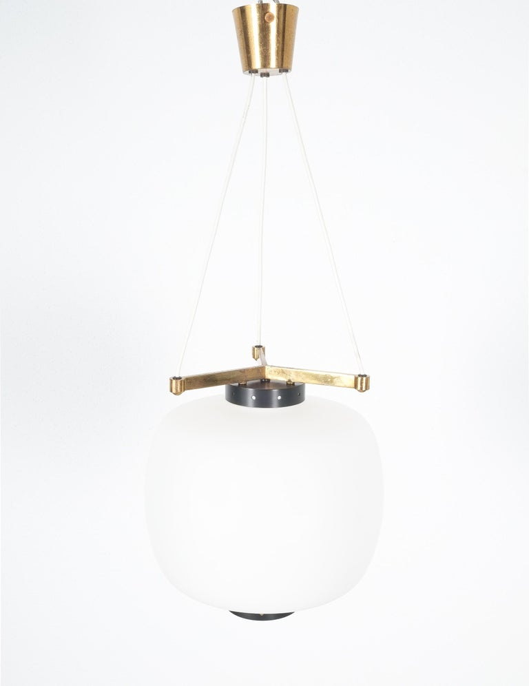 Satin Glass and Brass Suspension Pendant Lamp by Stilnovo, Italy, 1950 For Sale 9