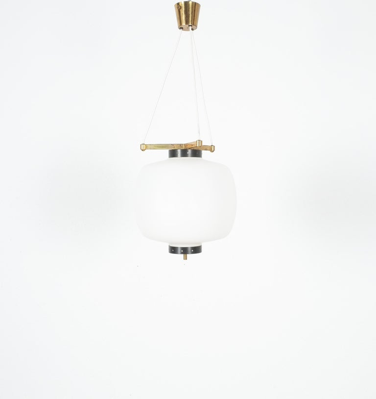 Mid-Century Modern Satin Glass and Brass Suspension Pendant Lamp by Stilnovo, Italy, 1950 For Sale