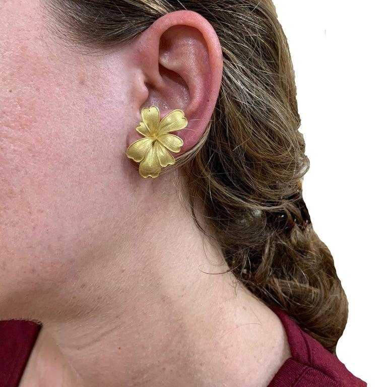 Satin Yellow Gold Flower Earrings For Sale 6