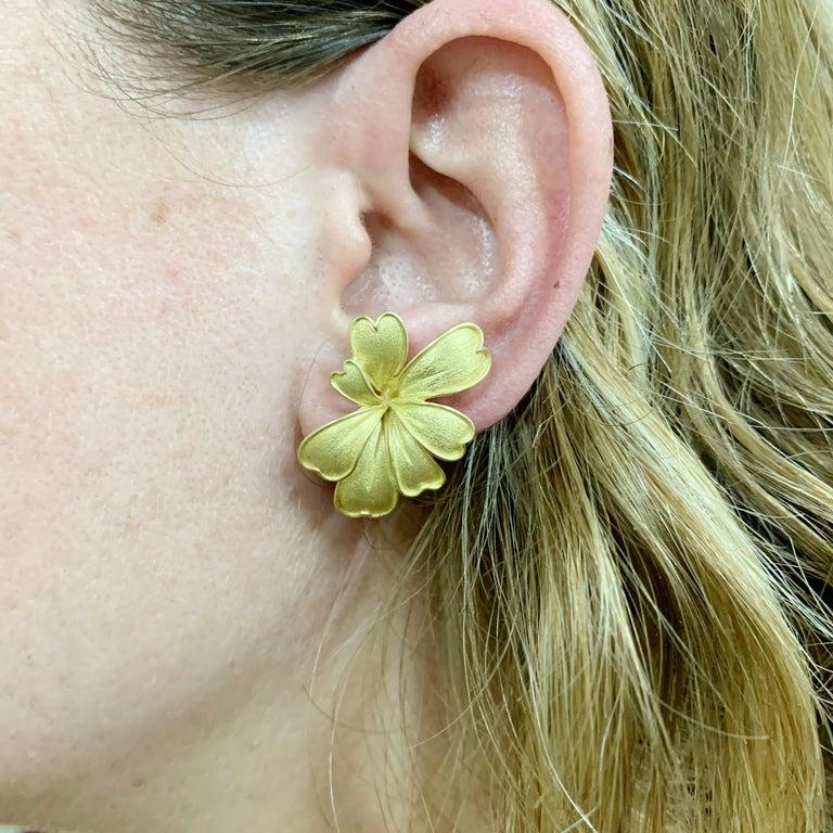 Satin Yellow Gold Flower Earrings For Sale 4