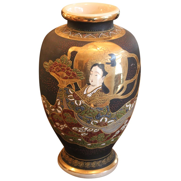 Satsuma Vase, Late 19th-Early 20th Century For Sale