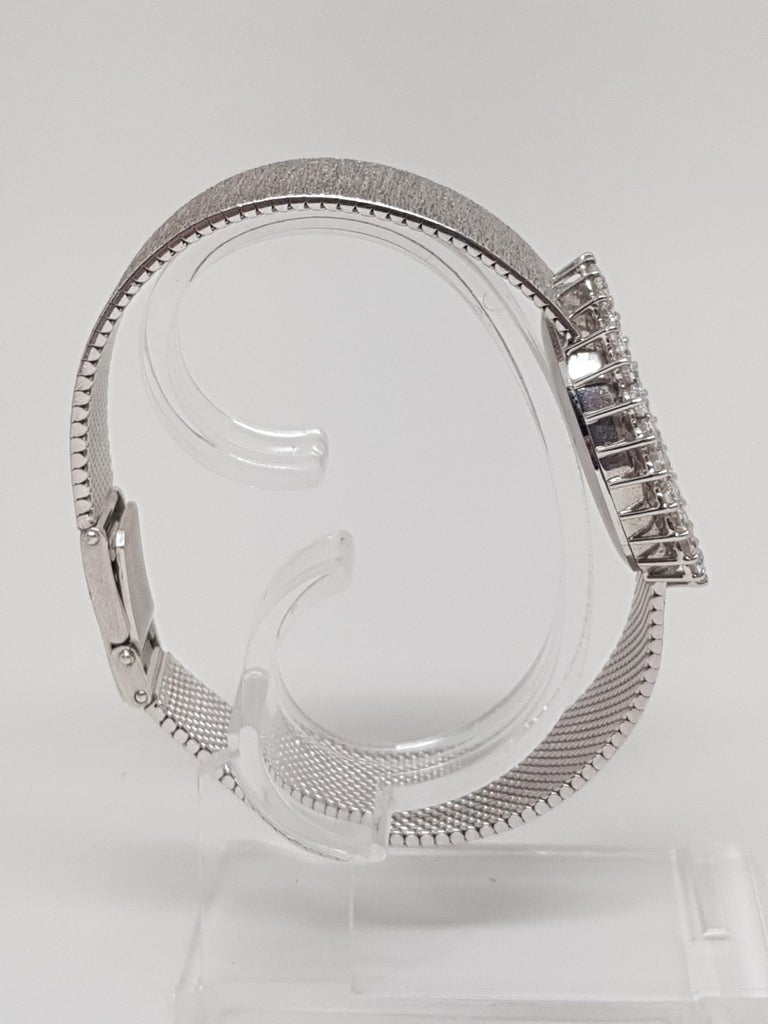 Scaldis 18 Karat White Gold Diamonds Vintage Ladies Watch In Good Condition For Sale In Antwerp, BE