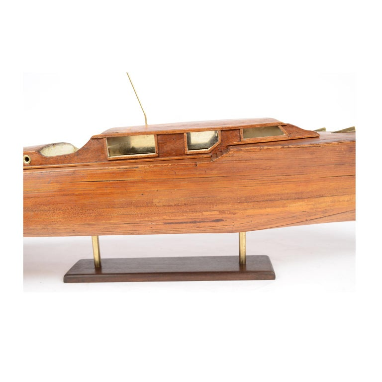 Scale Model of an English Motor Yacht from the 1930s For Sale 9