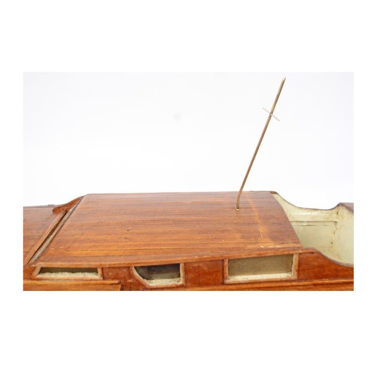 Scale Model of an English Motor Yacht from the 1930s For Sale 10