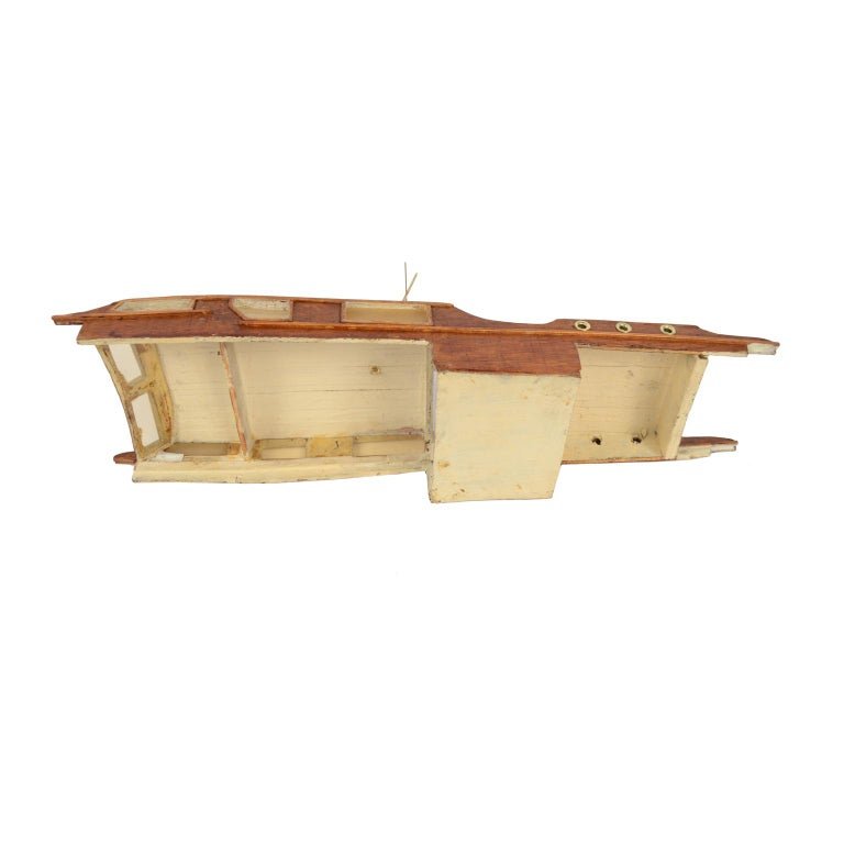 Scale Model of an English Motor Yacht from the 1930s For Sale 1