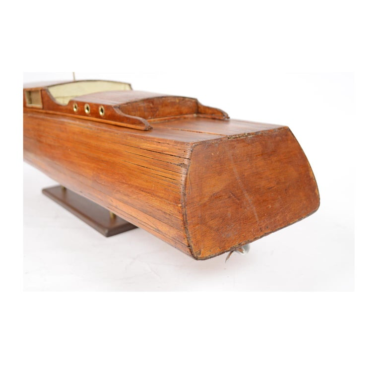 Scale Model of an English Motor Yacht from the 1930s For Sale 4