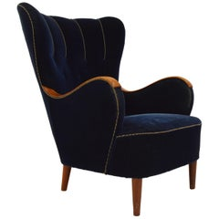 Scandinavian 1940s Curvy Wingback Organic Lounge Chair