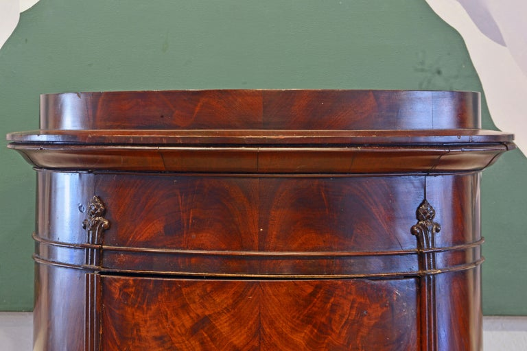 Scandinavian 19th Century Figured Flame Mahogany Oval Pedestal Cabinet In Good Condition In Ft. Lauderdale, FL