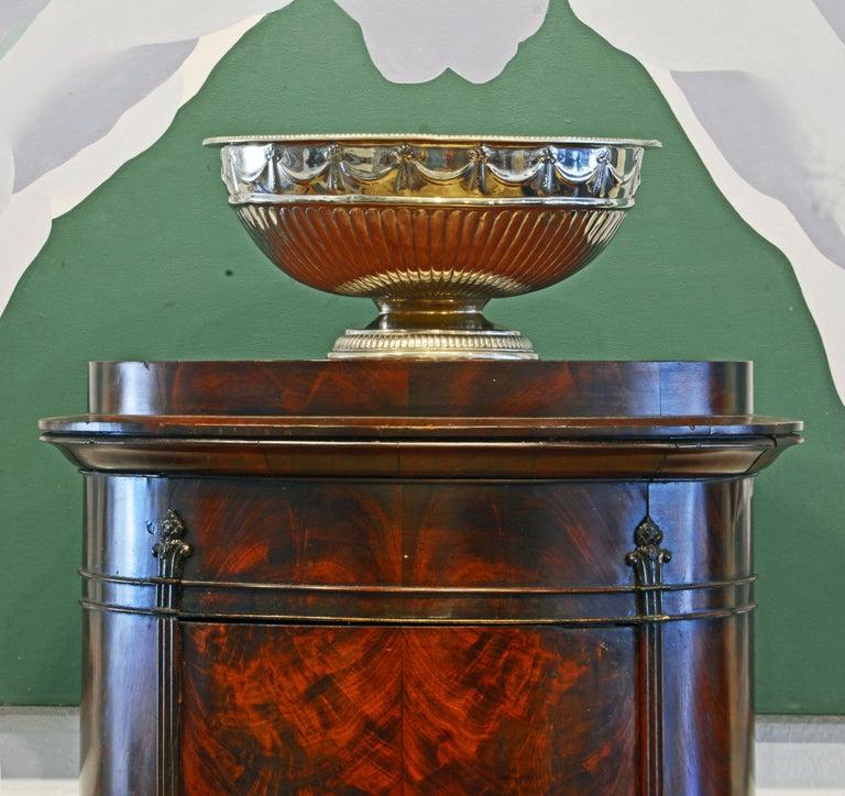 Scandinavian 19th Century Figured Flame Mahogany Oval Pedestal Cabinet 4