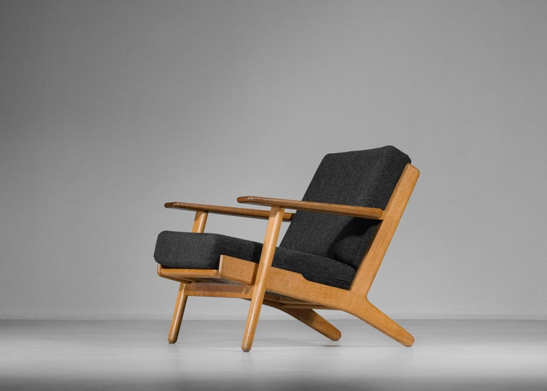 Mid-Century Modern Scandinavian Armchair GE 290 by Hans Werner from 1953 for GETAMA Danish For Sale