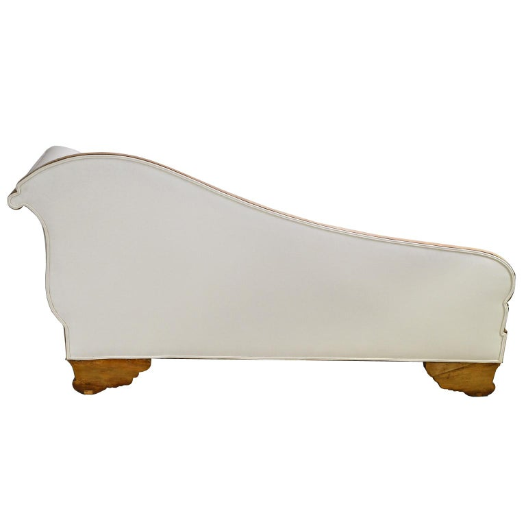 Scandinavian Biedermeier Recamier / Divan in Light Walnut, circa 1845 For Sale 4