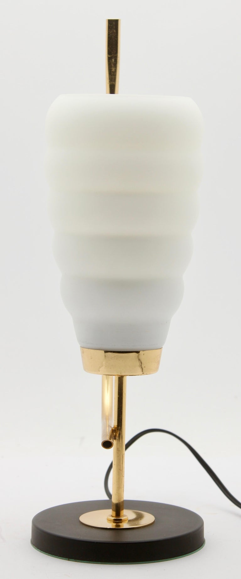 Scandinavian Design Table Lamp with Milk-White Glass Shade and Brass Mounts In Good Condition For Sale In Verviers, BE