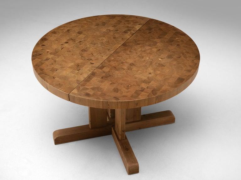Scandinavian Extendable Pine End-Grain Table For Sale 4