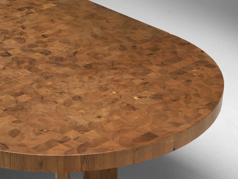 Scandinavian Extendable Pine End-Grain Table In Good Condition For Sale In Waalwijk, NL