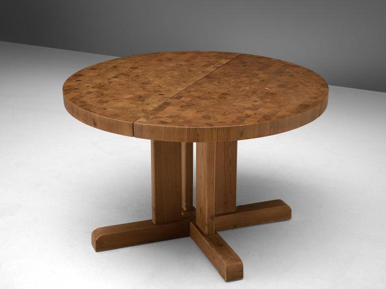 Scandinavian Extendable Pine End-Grain Table For Sale 3