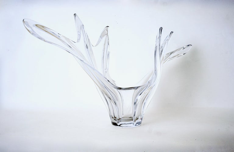 Scandinavian Free Form Hand Blown Glass Sculpture In Excellent Condition For Sale In Wilton, CT