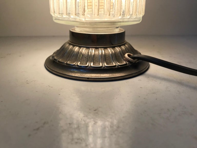 Scandinavian Functionalist Table Lamp in Checkered Glass, 1950s In Good Condition For Sale In Esbjerg, DK