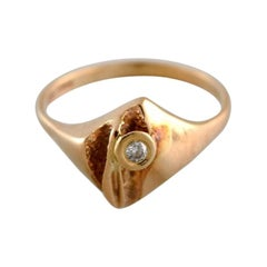 Scandinavian Jeweler, Modernist Ring in 14 Carat Gold Adorned with Brilliant