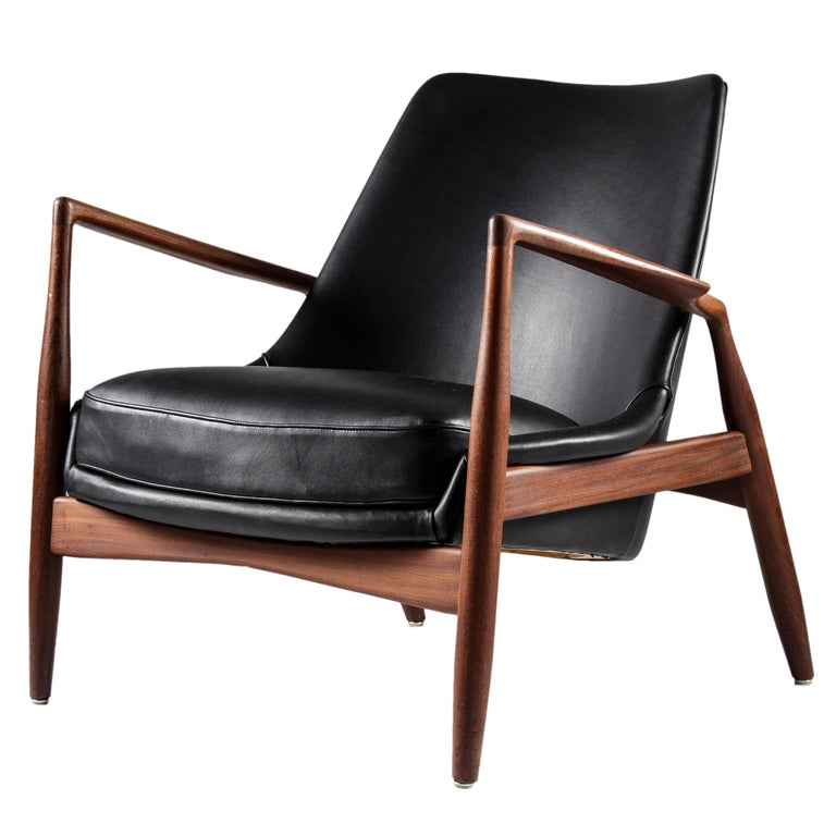 """Scandinavian Midcentury Lounge Chair """"Seal Chair"""" by Ib Kofod-Larsen for OPE For Sale"""
