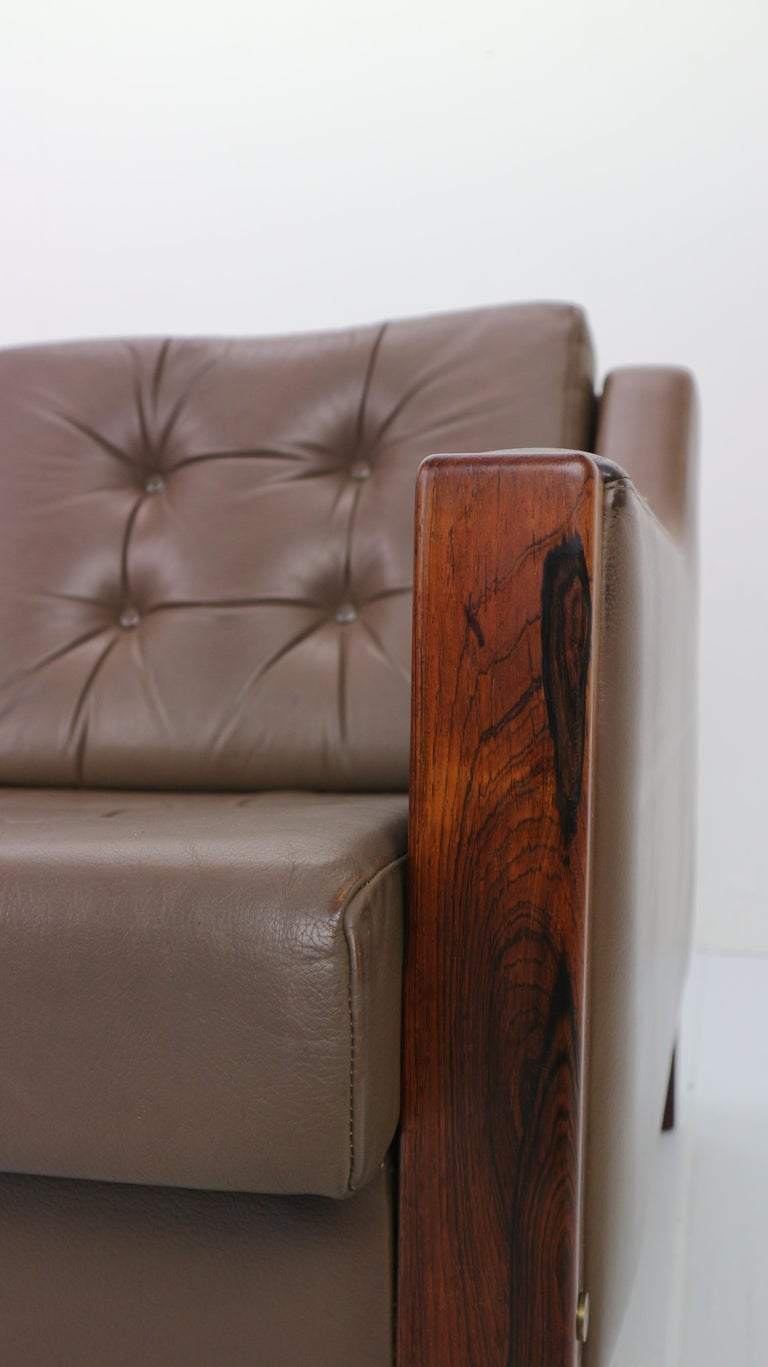 Scandinavian Midcentury Three-Seat Leather Sofa and Rosewood, 1970s For Sale 7