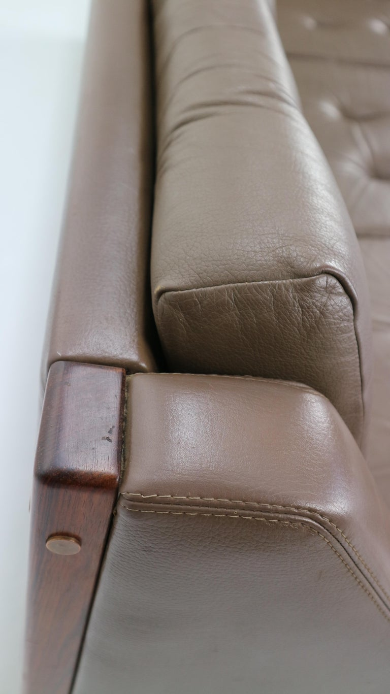 Scandinavian Midcentury Three-Seat Leather Sofa and Rosewood, 1970s For Sale 13