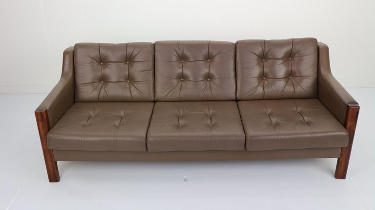 Scandinavian Midcentury Three-Seat Leather Sofa and Rosewood, 1970s For Sale 1