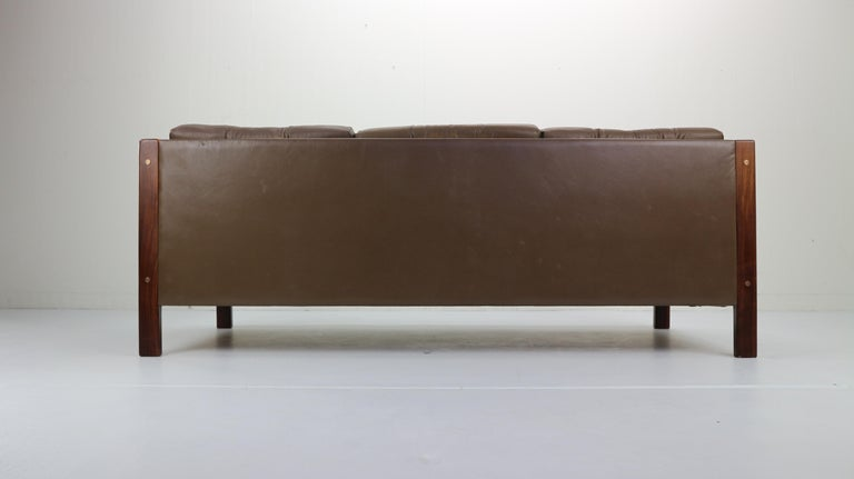 Scandinavian Midcentury Three-Seat Leather Sofa and Rosewood, 1970s For Sale 2