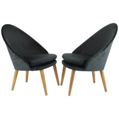 Scandinavian Modern, a Pair of Danish Chairs by Ejvind Johansson, 1959