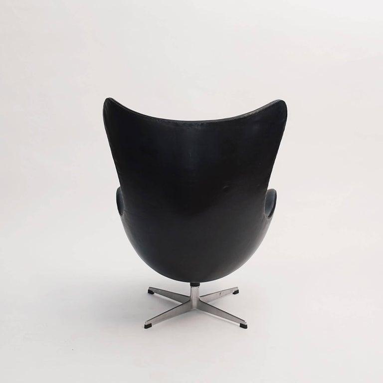 Scandinavian Modern Arne Jacobsen Egg Chair, Early Production In Good Condition For Sale In Nordhavn, DK
