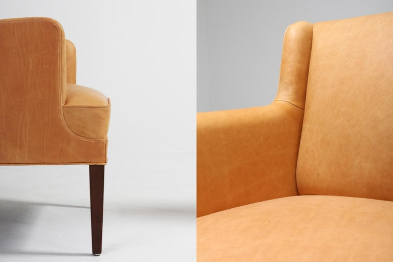 Scandinavian Modern Bergere Chairs in Camel Leather For Sale 10