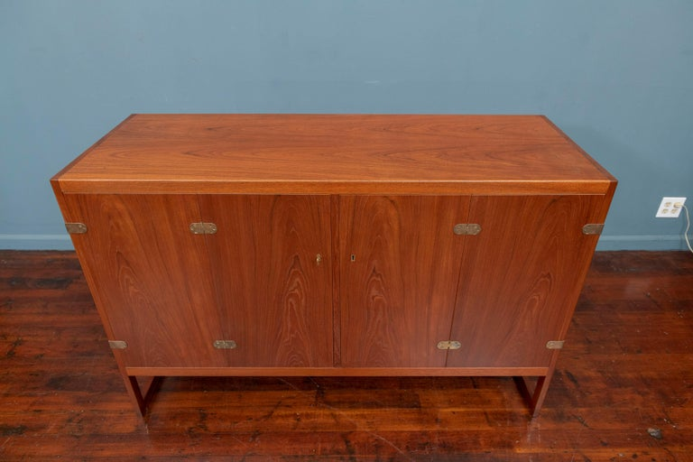 Mid-20th Century Scandinavian Modern Cabinet by Borge Mogensen For Sale