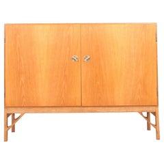 Scandinavian Modern Cabinet in Oak by Børge Mogensen, 1960s