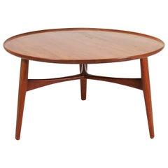 Scandinavian Modern Coffee Table in Teakwood by Ejner Larsen & A. Bender Madsen