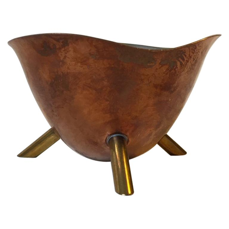Scandinavian Modern Copper and Brass Tripod Candy Bowl, 1950s For Sale