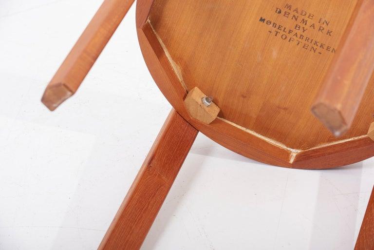 Scandinavian Modern Danish Teak Side Table by Mobelfabrikken Toften For Sale 7