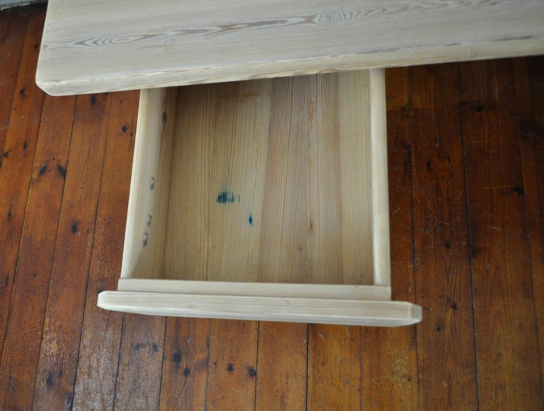 Scandinavian Modern Desk in Solid Pine, 1970s For Sale 6