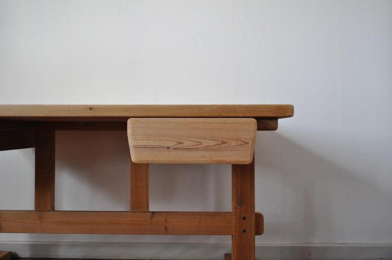 Scandinavian Modern Desk in Solid Pine, 1970s For Sale 7