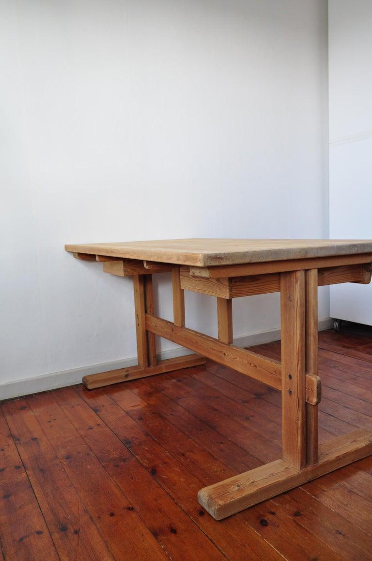 Scandinavian Modern Desk in Solid Pine, 1970s For Sale 10