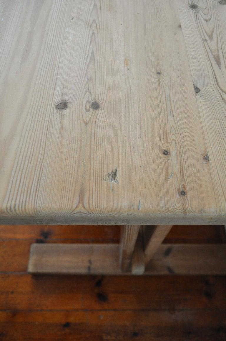 Scandinavian Modern Desk in Solid Pine, 1970s For Sale 1