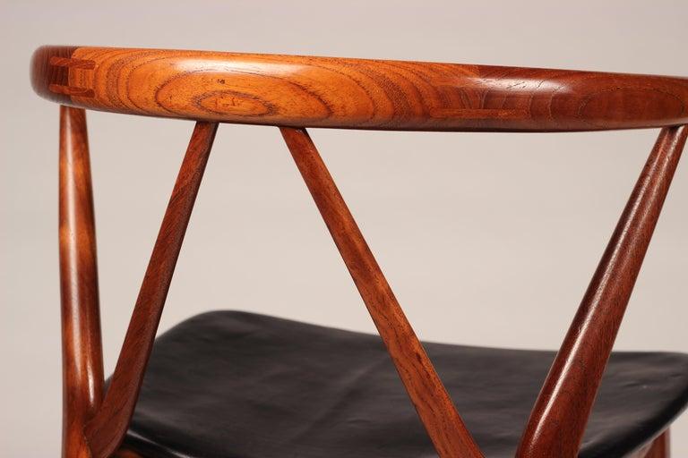 Scandinavian Modern Henning Kjærnulf Teak and leather Dinning Chair Model 255 For Sale 6