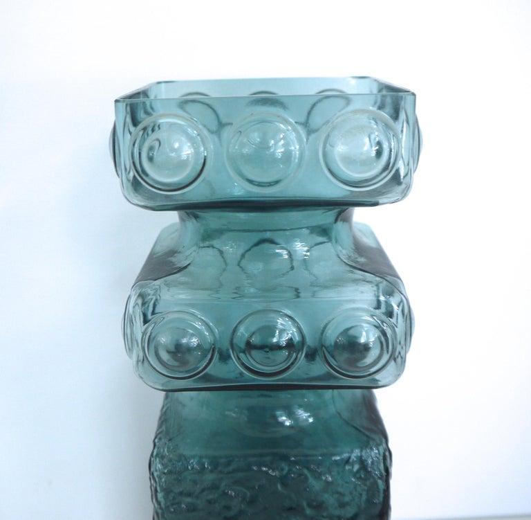 Scandinavian Modern Kehra Glass Vase by Tamara Aladin Riihimaki 'Finland 1950s' In Good Condition For Sale In Halstead, GB