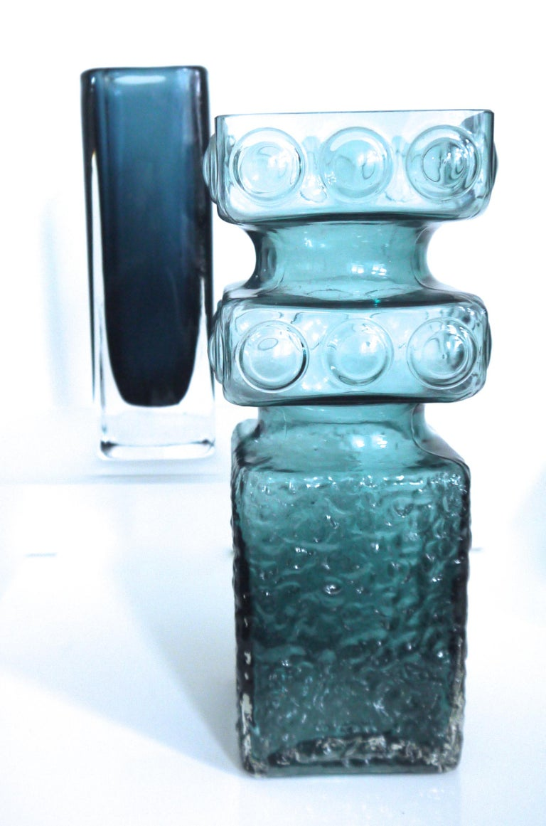 Mid-20th Century Scandinavian Modern Kehra Glass Vase by Tamara Aladin Riihimaki 'Finland 1950s' For Sale