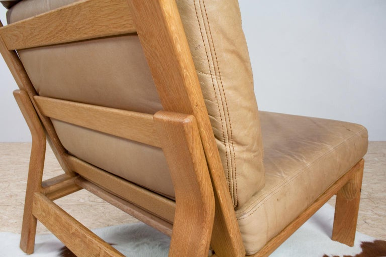 Mid-20th Century Scandinavian Modern Komfort Lounge Chair in Leather and Oak, 1960s For Sale