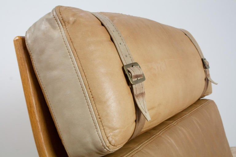 Scandinavian Modern Komfort Lounge Chair in Leather and Oak, 1960s For Sale 1