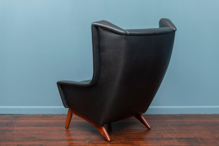 Scandinavian Modern Leather Lounge Chair For Sale 1