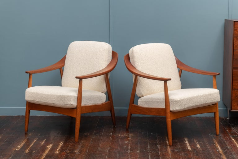 Scandinavian Modern Lounge Chairs In Good Condition For Sale In San Francisco, CA